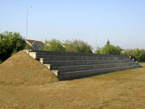 The Inca Wedge Blok Retaining System